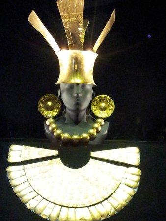 Museo Larco: Orfefrerìa de la Exposicion Permanente