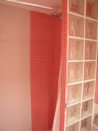 Hostal Madrid Inn: Banheiro (Box)