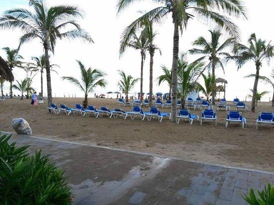 Hotel Riu Emerald Bay: vista desde alberca