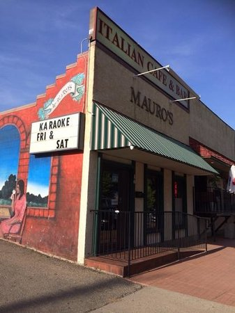 Medicine Hat, Canada: mauro's storefront!!