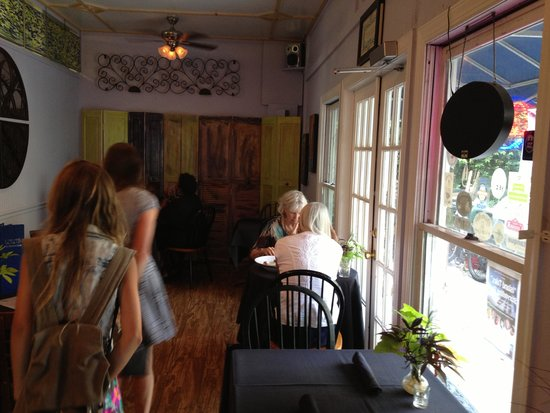 LuLu's at The Thompson House: Inside dining room