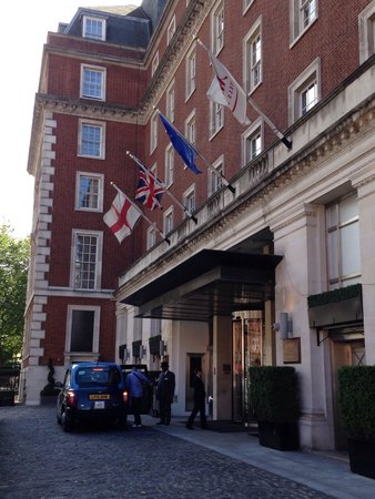 The Grosvenor Hotel : Front of hotel