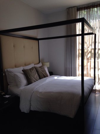 The Grosvenor Hotel : Our room 106