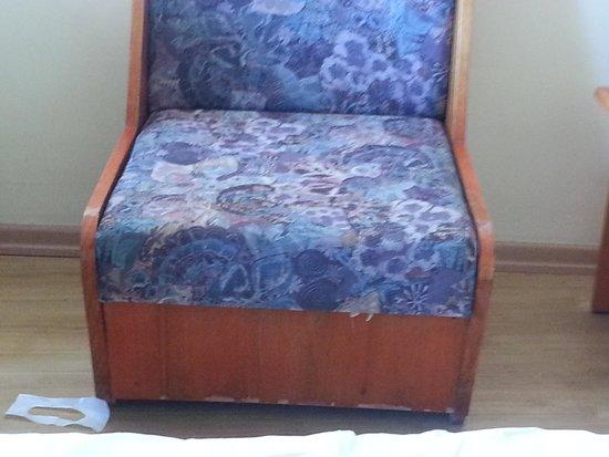 Doris Aytur: Sessel im Wohn-/Schlafbereich