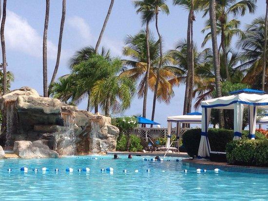 InterContinental San Juan: Pool and waterfalls