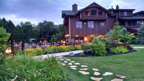 The Whiteface Lodge : View of lodge and pool area