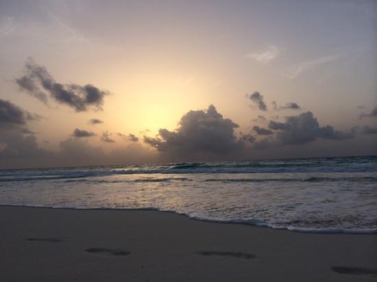 Ritz-Carlton Cancun: волна .. на любителя