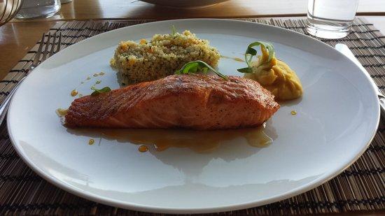 Radisson Blu Park Hotel Athens: Salmon