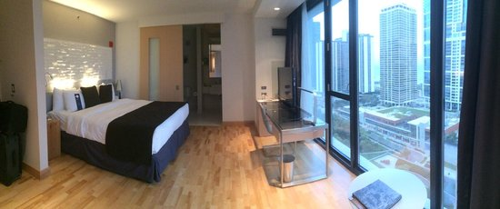 Park view room - Picture of Radisson Blu Aqua Hotel, Chicago