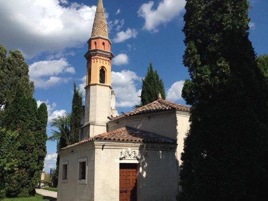 Villa Varda: La chiesetta
