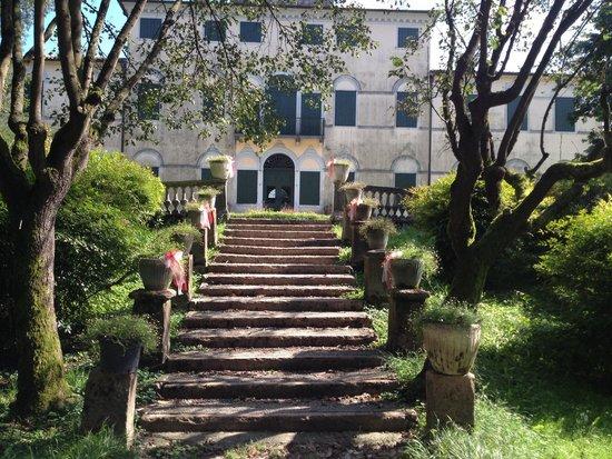 Villa Varda: Retro edificio centrale