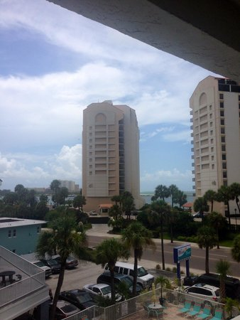 Pelican Pointe Hotel and Resort : View from the 4th floor