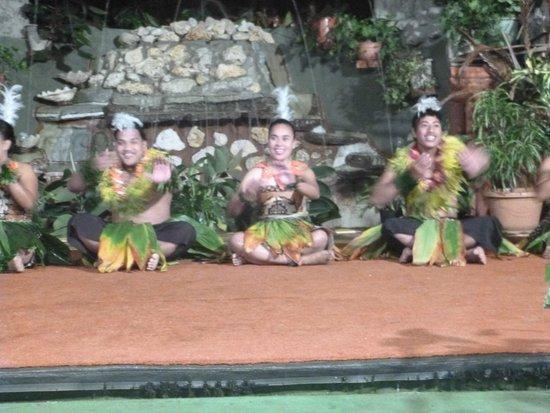 Liku'alofa Beach Resort : cultural night