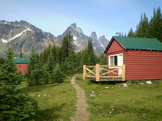 Beautiful Cozy Cabins Picture Of Tonquin Valley
