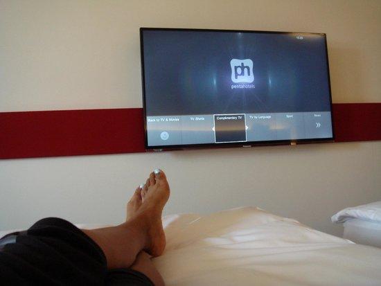 pentahotel Prague: TV