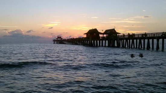 Naples Pier: Sunset