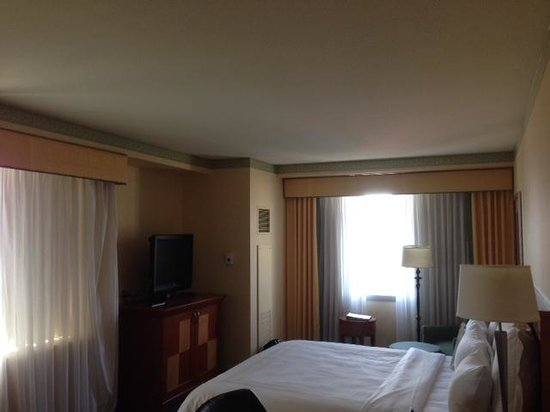 San Jose Marriott: Corner room on 14th floor