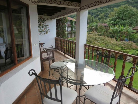 Hotel Atitlan: Balcony of junior suite