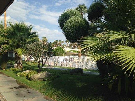 Tuscany Manor Resort: Garden Pool