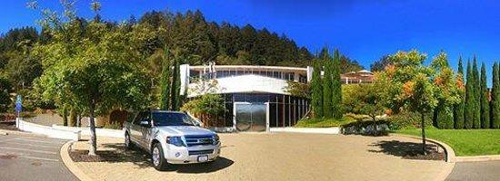 Perata Luxury Tours in St. Helena
