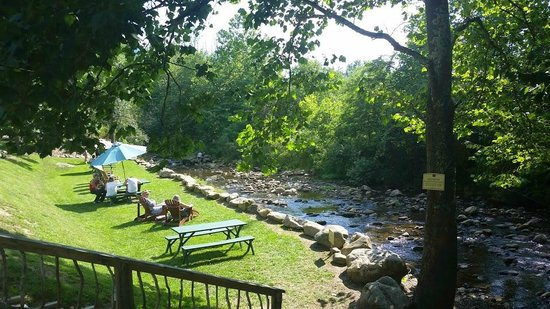 Grandfather Vineyard & Winery: Creek and 'chillin' area