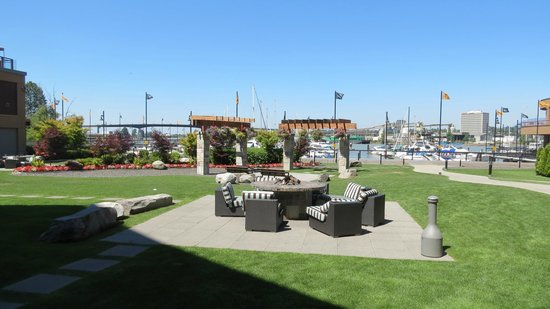 River Rock Casino Resort: Outside Grounds