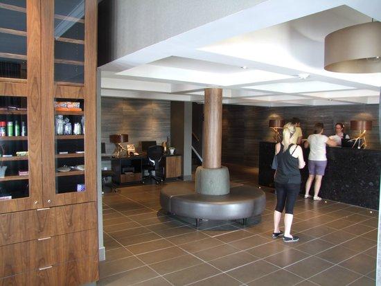 Sandman Inn & Suites Vernon: Lobby