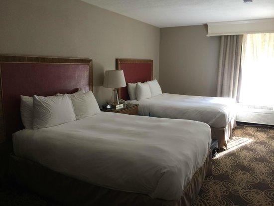 Radisson Hotel San Diego - Rancho Bernardo: Two Queen beds