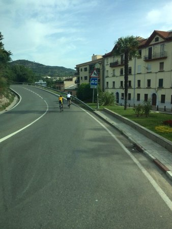 Barcelona Turisme - Afternoon in Montserrat Tour : Bikers heading up the mountain
