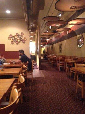 Aladdin's Eatery: Inside of the restaurant