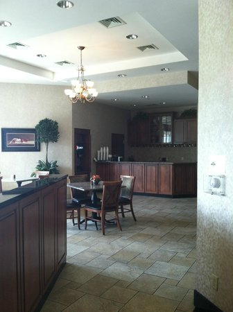 Drury Inn & Suites Columbus Grove City: Breakfast area