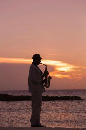 Melia Buenavista : sax at sunset