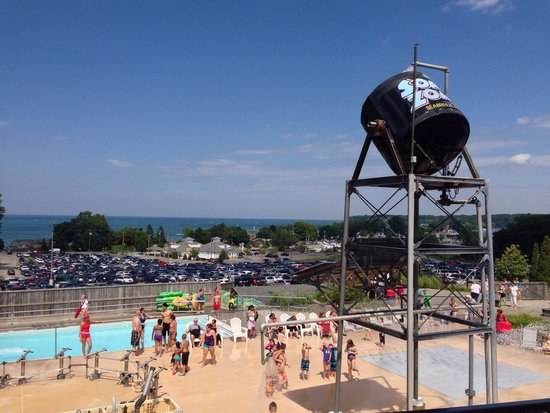 Seabreeze Amusement Park: Seabreeze waterpark.  Lake Ontario on background.