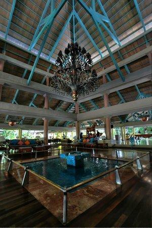 Iberostar Bavaro Suites: Main Lobby