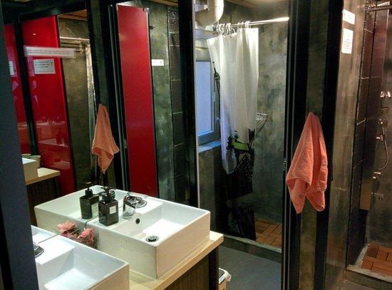 Urban Pack: Showers