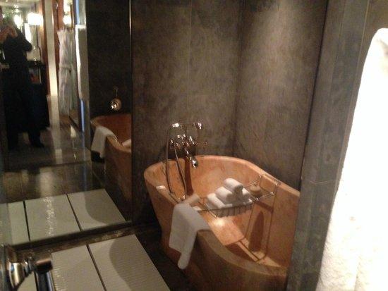 Park Hyatt Washington: Ambassador Suite Bath