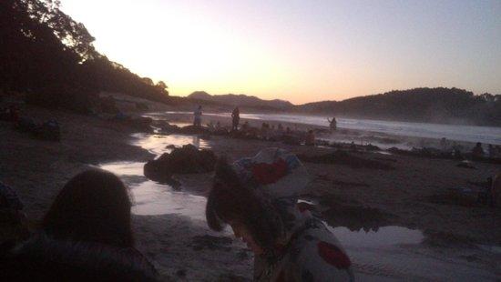 atardecer en hot water beach