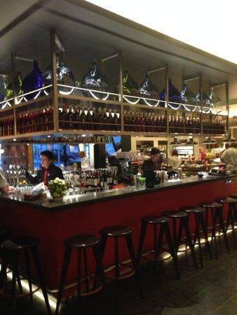citizenM London Bankside: the bar