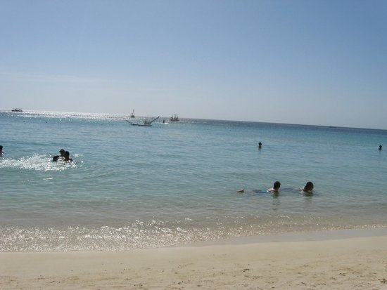 Tabyana Beach : the water at west bay