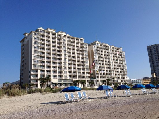 Hampton Inn & Suites Myrtle Beach/Oceanfront: Beach side of the Hampton Inn Oceanfront Hotel