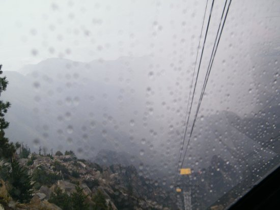 Palm Springs Aerial Tramway: rain on the tram