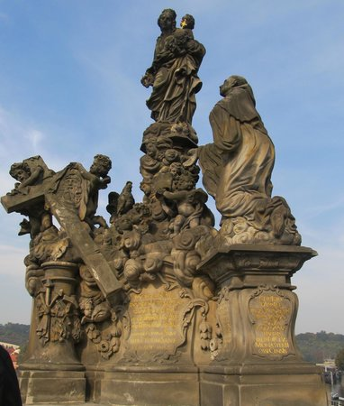 Puente de Carlos: statue