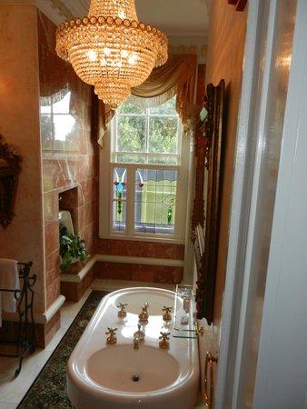 The Dansereau House: Governor's Suite Bathroom