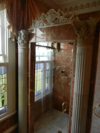 The Dansereau House: Governor's Suite Shower