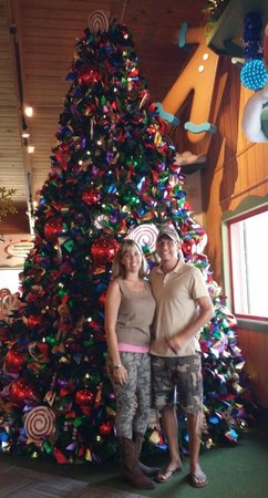 Bronner's Christmas Wonderland: love the tree