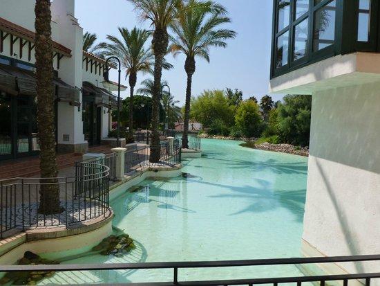 "PortAventura Hotel PortAventura : ""étangs "" à l'intérieur"