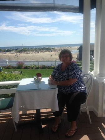 Terrace by the Sea: Breakfast on front porch
