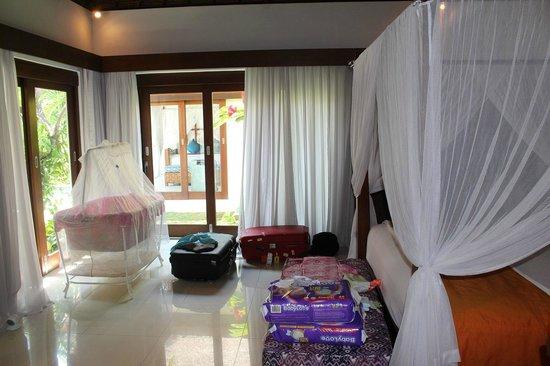 Andari Bali Villas : Villa Sayana- Bedroom 1 all set up with cott
