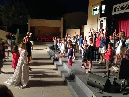 Club Med Sant'Ambroggio: spectacle au théâtre