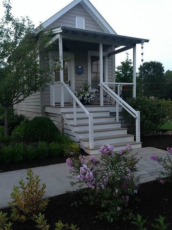 The Inn at Fontanel: Our very own Bunkie!